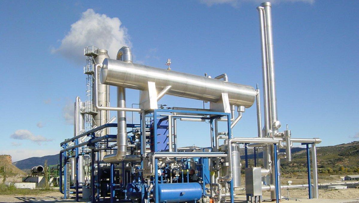 CO2-Extraktion/-erzeugung für Softdrink-Abfüller - Slider - Bild 1